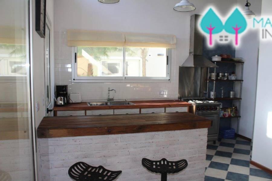 Costa Esmeralda,Buenos Aires,Argentina,4 Bedrooms Bedrooms,3 BathroomsBathrooms,Casas,1121