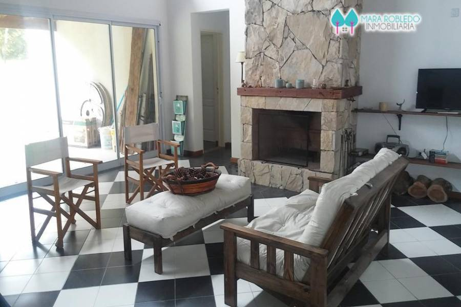 Costa Esmeralda,Buenos Aires,Argentina,4 Bedrooms Bedrooms,3 BathroomsBathrooms,Casas,1122