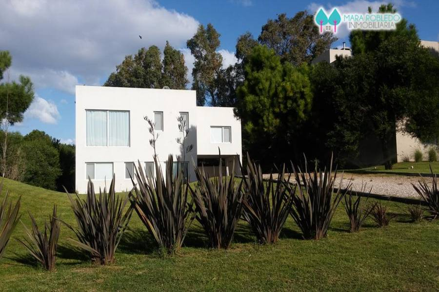 Costa Esmeralda,Buenos Aires,Argentina,4 Bedrooms Bedrooms,4 BathroomsBathrooms,Casas,1135