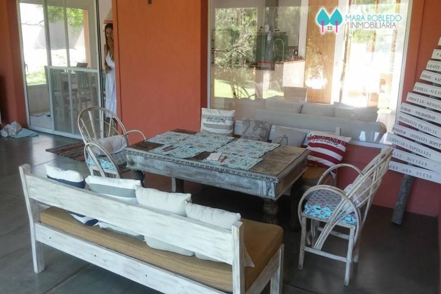 Costa Esmeralda,Buenos Aires,Argentina,4 Bedrooms Bedrooms,3 BathroomsBathrooms,Casas,1148