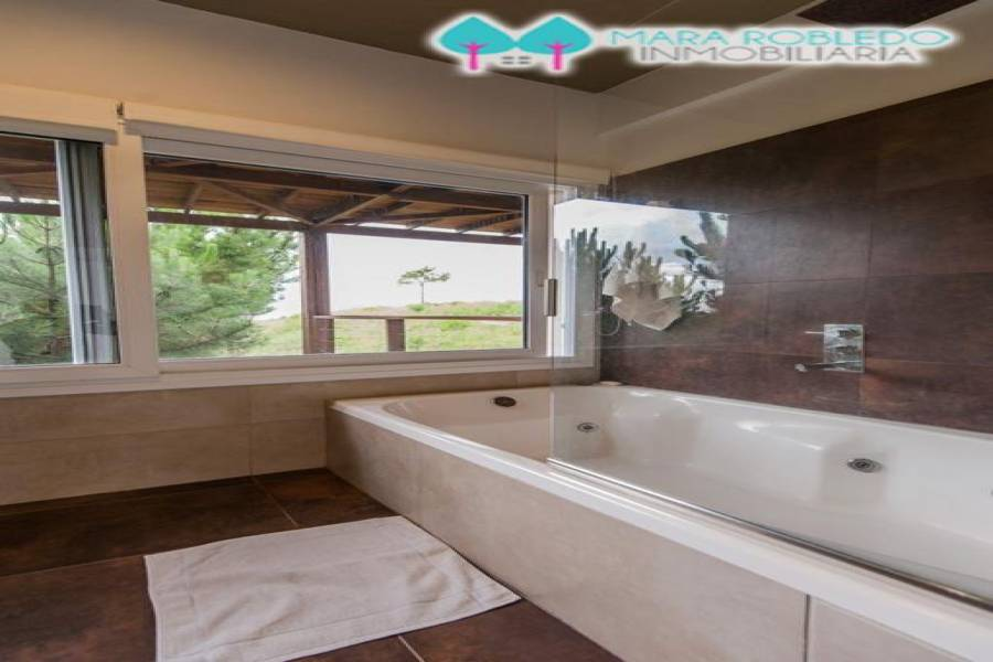 Costa Esmeralda,Buenos Aires,Argentina,6 Bedrooms Bedrooms,4 BathroomsBathrooms,Casas,1161