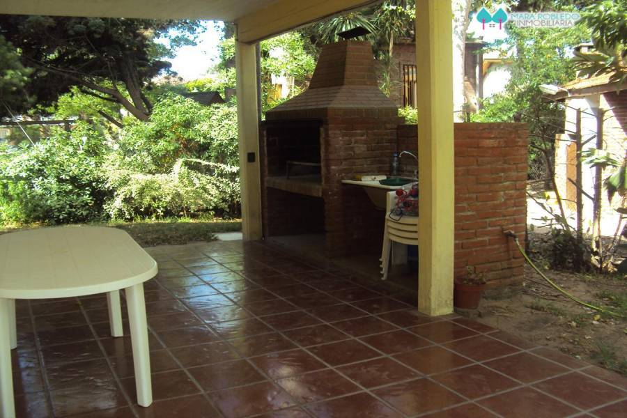 Valeria del Mar,Buenos Aires,Argentina,3 Bedrooms Bedrooms,2 BathroomsBathrooms,Casas,1249