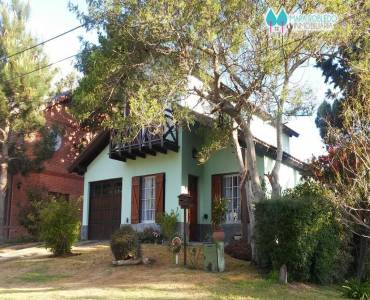 Valeria del Mar,Buenos Aires,Argentina,4 Bedrooms Bedrooms,2 BathroomsBathrooms,Casas,1252