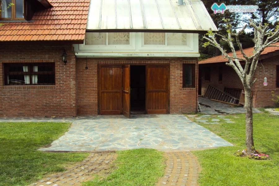 Valeria del Mar,Buenos Aires,Argentina,3 Bedrooms Bedrooms,3 BathroomsBathrooms,Casas,1254