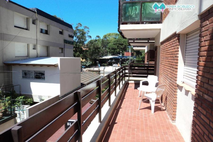 Pinamar,Buenos Aires,Argentina,2 Bedrooms Bedrooms,2 BathroomsBathrooms,Apartamentos,1202
