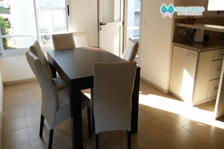 Pinamar,Buenos Aires,Argentina,2 Bedrooms Bedrooms,1 BañoBathrooms,Apartamentos,1228