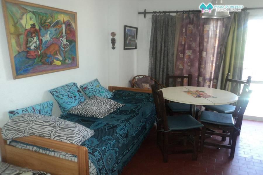 Pinamar,Buenos Aires,Argentina,2 Bedrooms Bedrooms,1 BañoBathrooms,Apartamentos,1233