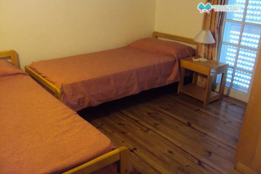 Valeria del Mar,Buenos Aires,Argentina,3 Bedrooms Bedrooms,2 BathroomsBathrooms,Casas,1249