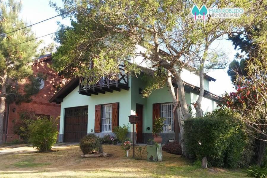 Valeria del Mar,Buenos Aires,Argentina,4 Bedrooms Bedrooms,2 BathroomsBathrooms,Casas,1252